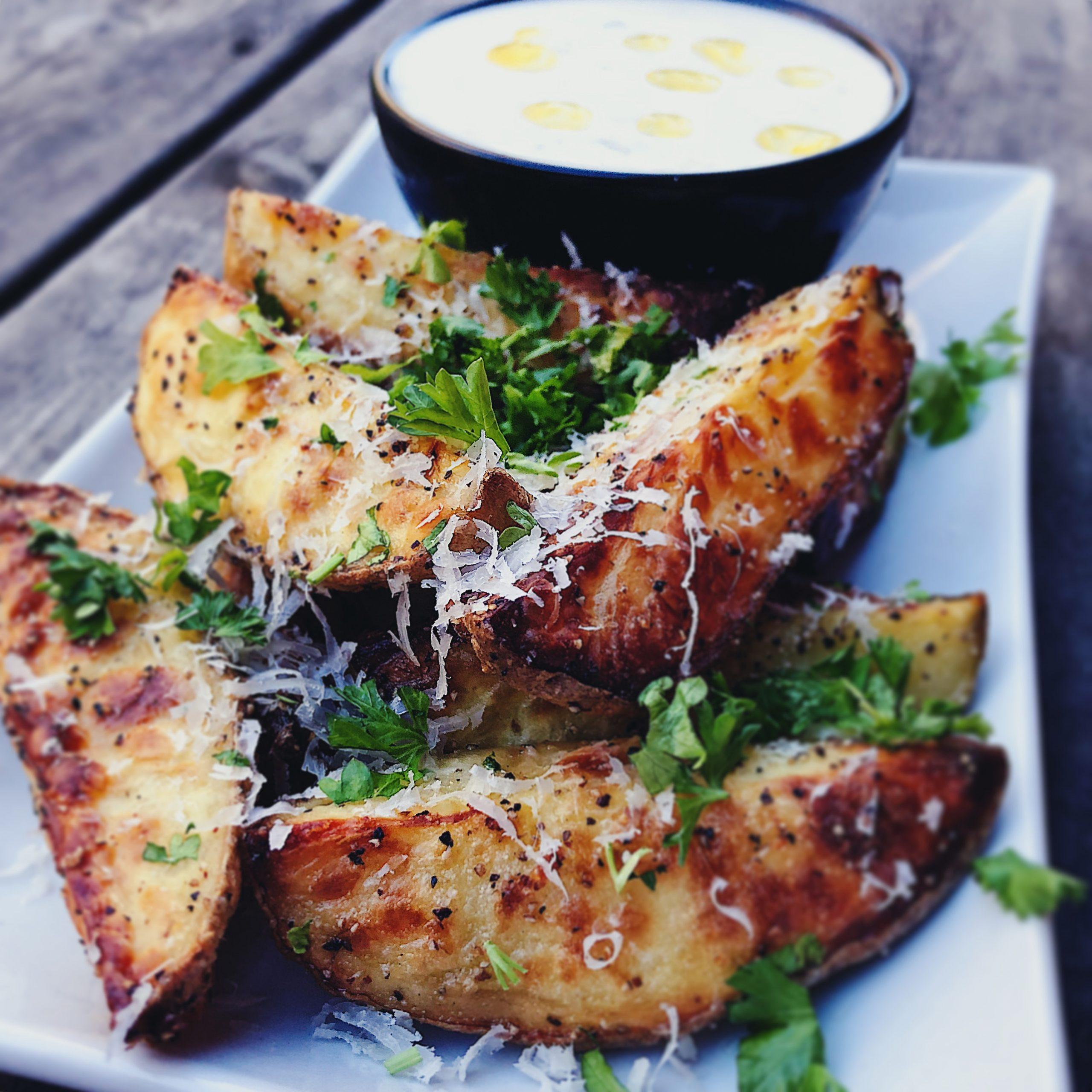 Parmesanpotatis med tryffeldipp