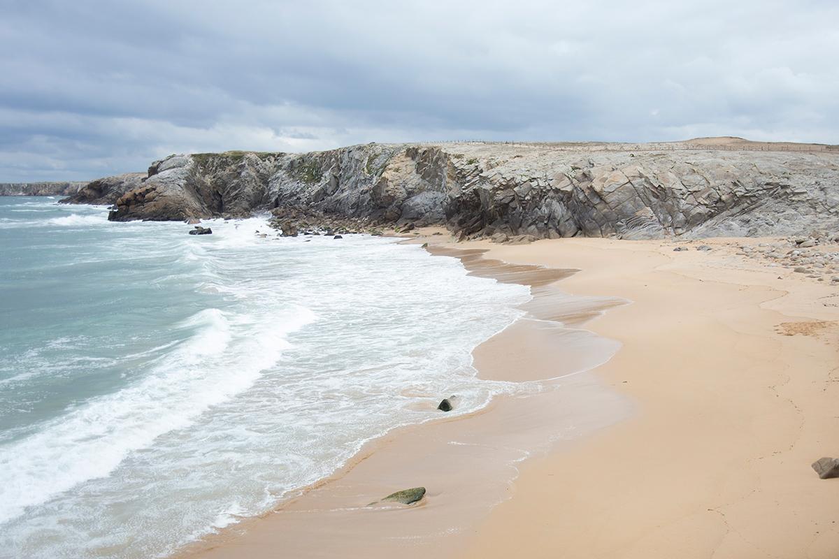 Photographie de bord de mer réalisée à Quiberon à la côte Sauvage par la photographe Mathilde Troussard