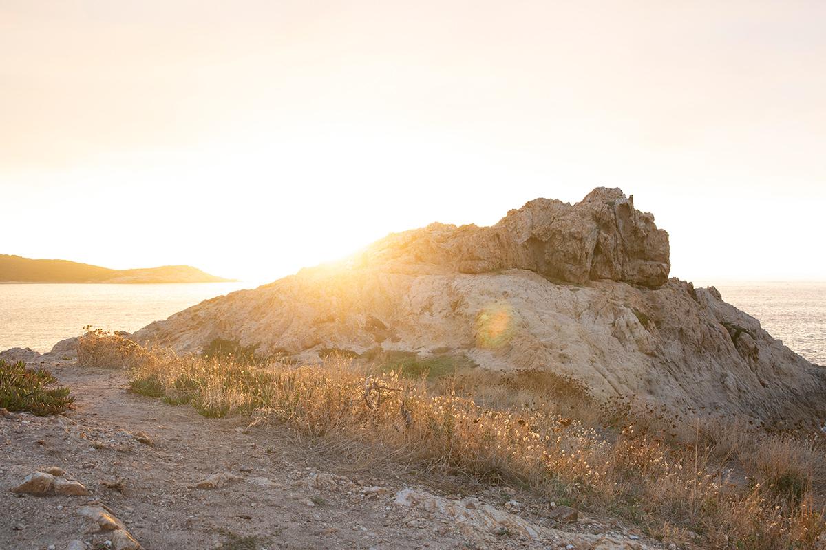 Photographie d'u  coucher de soleil réalisé en Corse par la photographe Mathilde Troussard