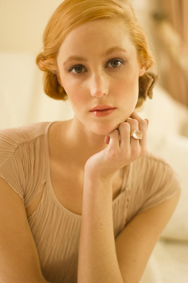 Portrait mode réalisé par l'artiste Mathilde Troussard  pour le magazine Victoire