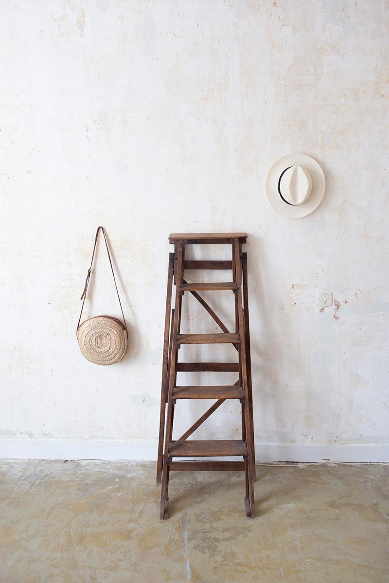 Mise en scène photographique déco provençale minimaliste réalisée par la Visual Storyteller Mathilde Troussard
