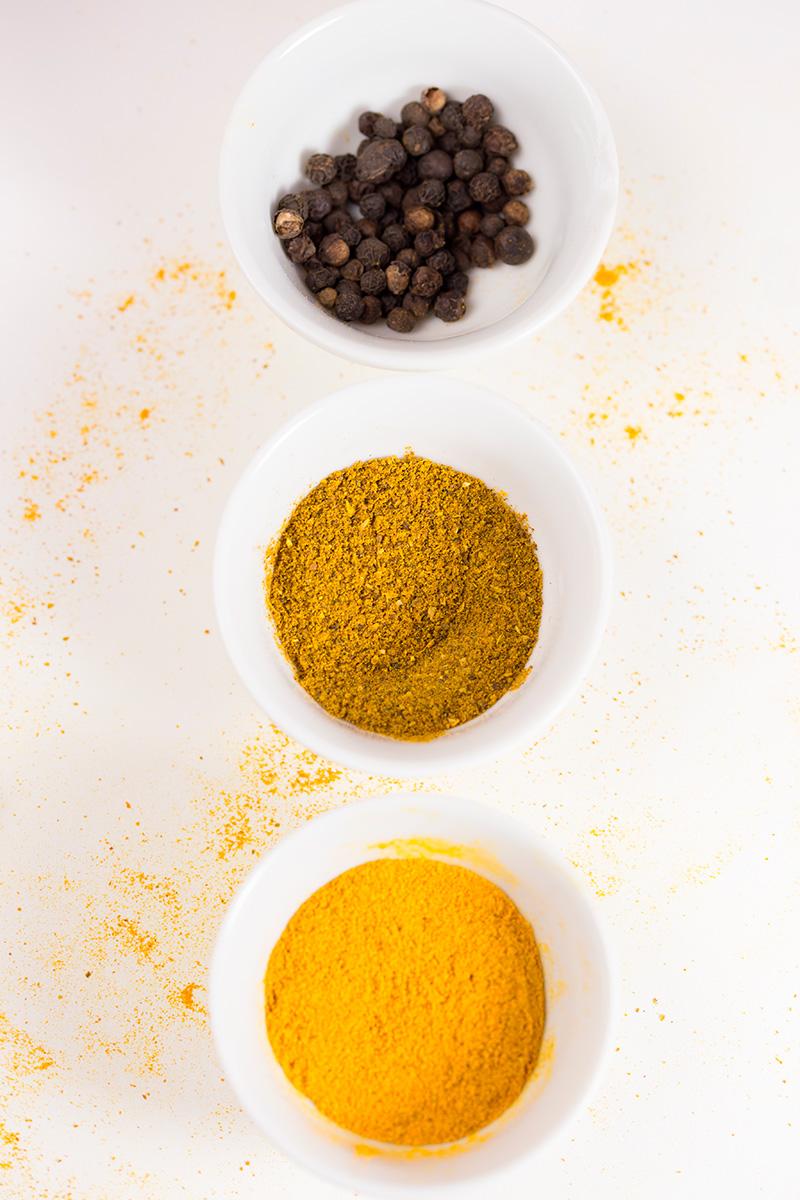 Photographie culinaire d'épices réalisée par la Visual Storyteller Mathilde Troussard