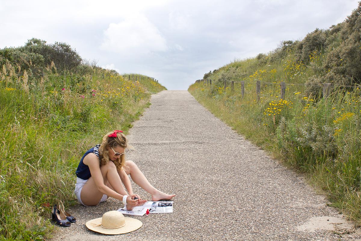 Photographie extraite de la série Waiting for Him réalisée par l'artiste Mathilde Troussard