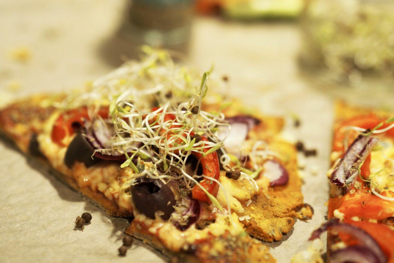 Gör din egen veganska Flatbread pizza