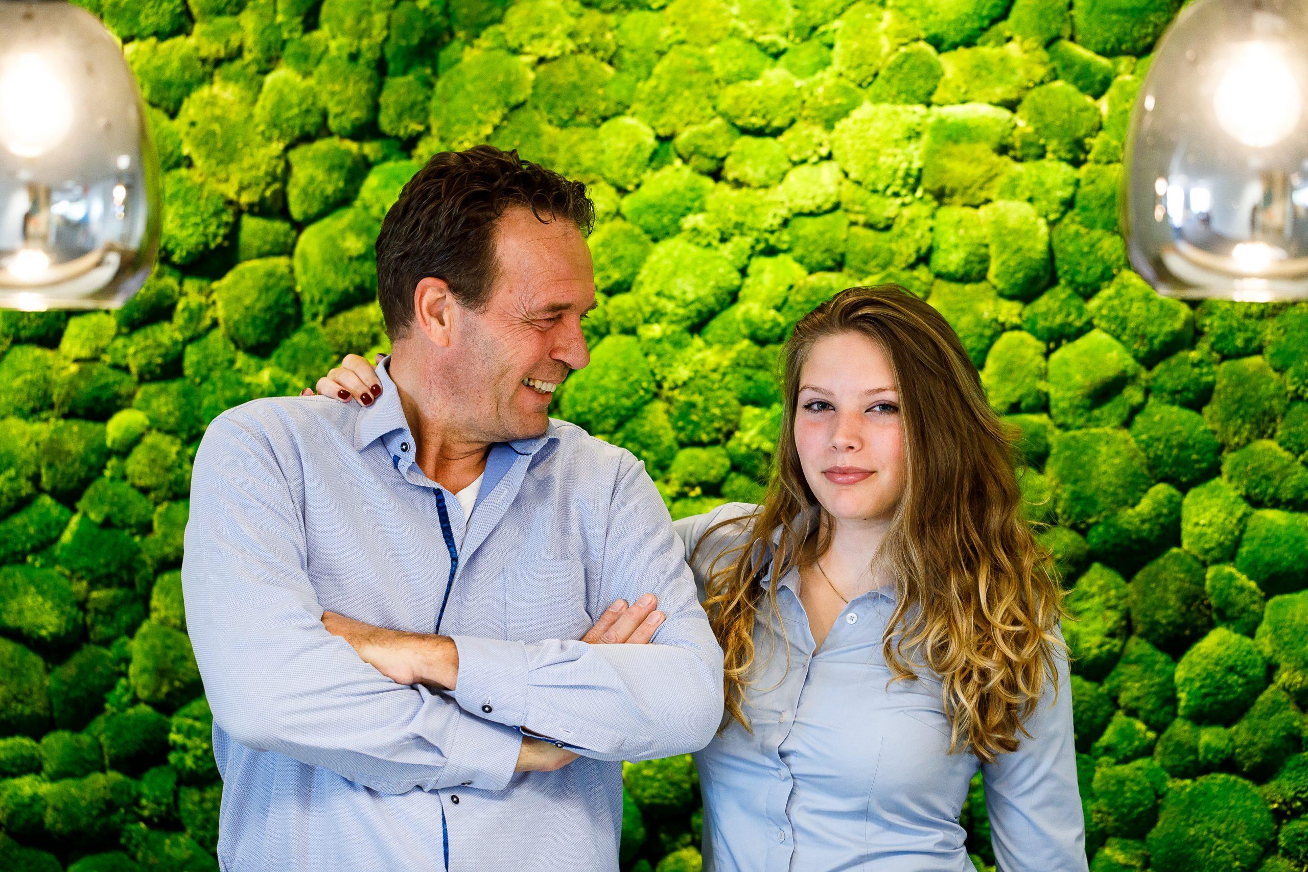 Eigenaar Hans Westerduin met zijn dochter Romy Westerduin