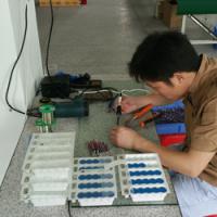Solderen van contacten aan elektrische kabels