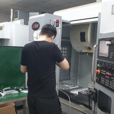 CNC frezen van aluminium