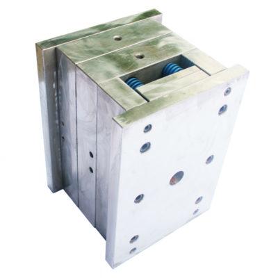 Stalen spuitgietmatrijs door Metron Technics gemaakt