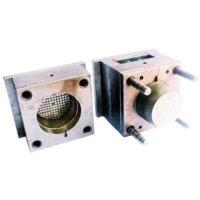 Spuitgietmatrijs voor productie van een cover voor elektromotor