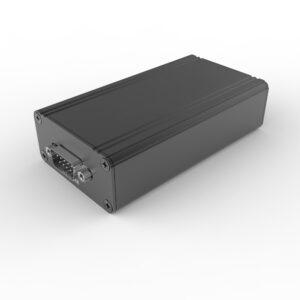D1001451 – Behuizing bestaande uit geëxtrudeerde koker 57B28H100L met connector