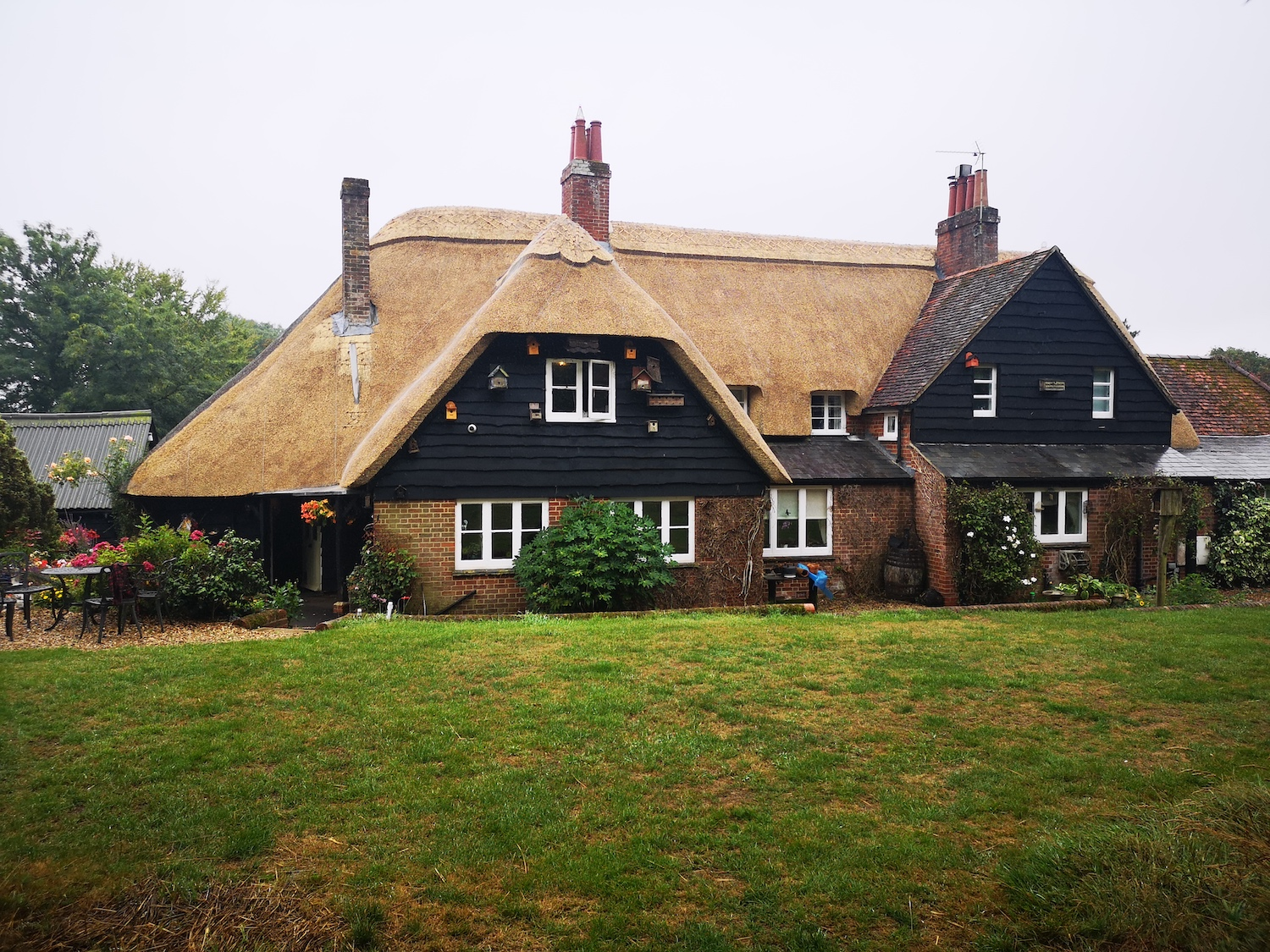 Straw Roof Thatching Services UK