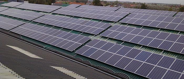 l' Énergie Solaire en toiture: toit pane