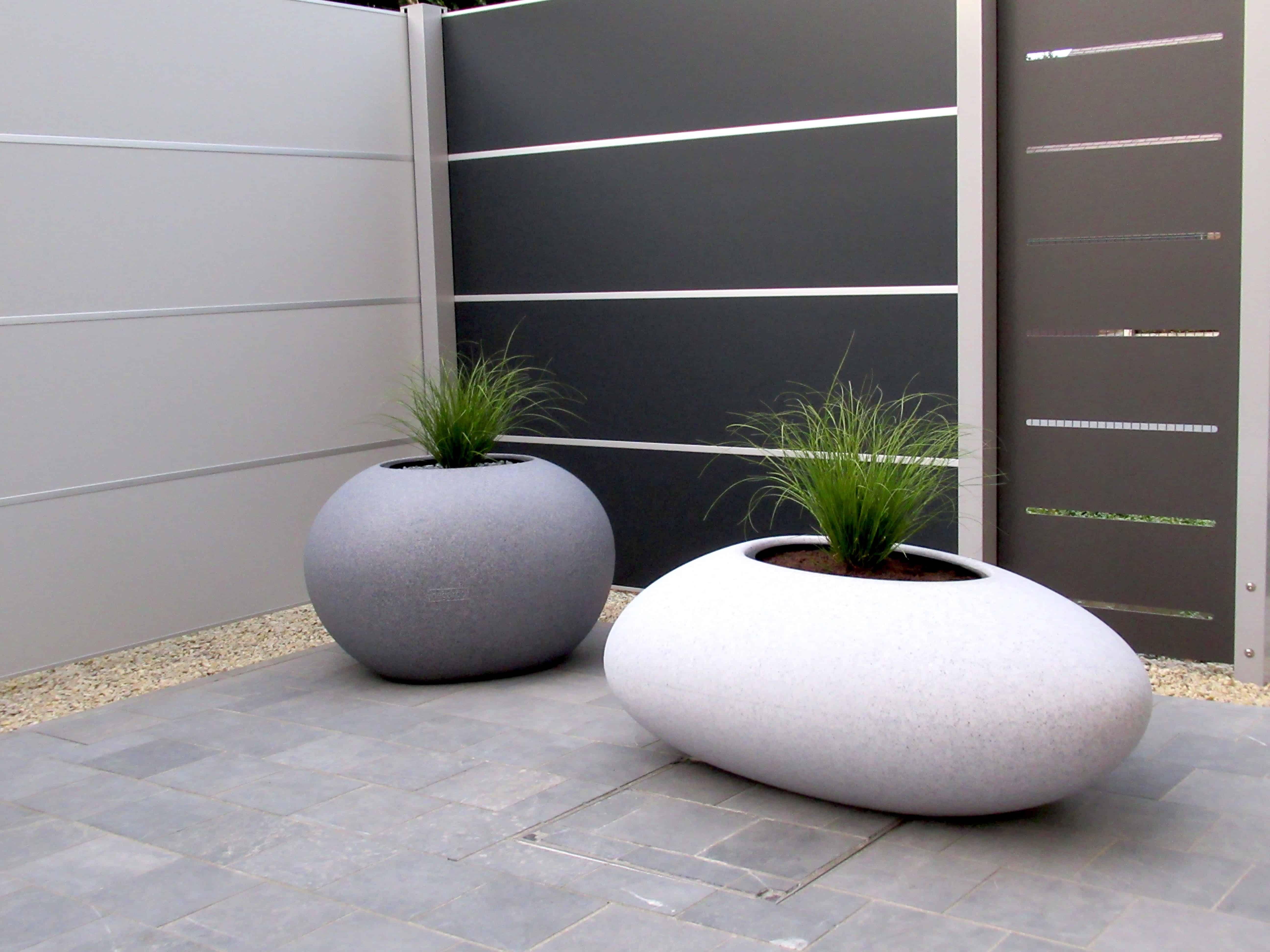 Bloembakken in granietkleur