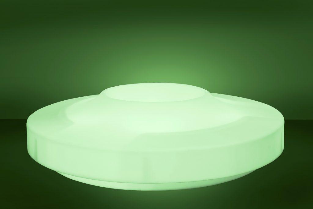 Piazza ziteiland, transparant wit, licht op in het groen ...