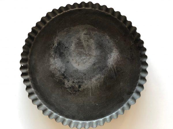Tærtefad i metal
