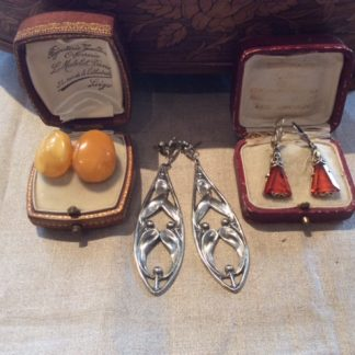 oude en antieke zilveren oorbellen