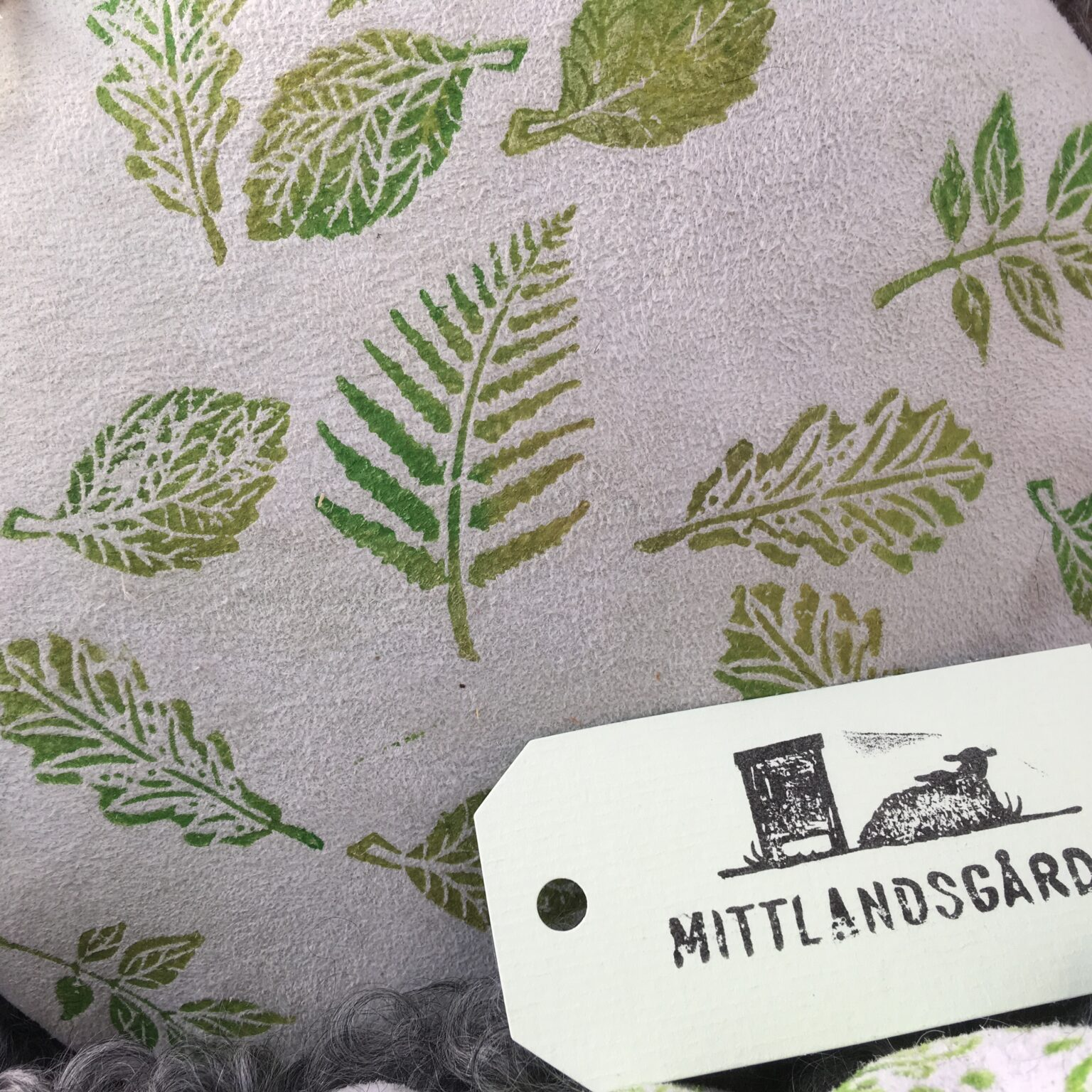 Skinnhantverk från Mittlandsgården
