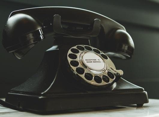 Warum rufen Sie auch meinen Kollegen an?