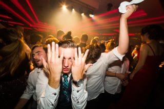 DJ Frank spielt tanzbare Musik, die alle Altersklassen anspricht