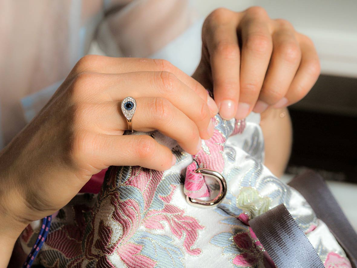 molto swarovski ring making the chinese take away jacquard bag by hand