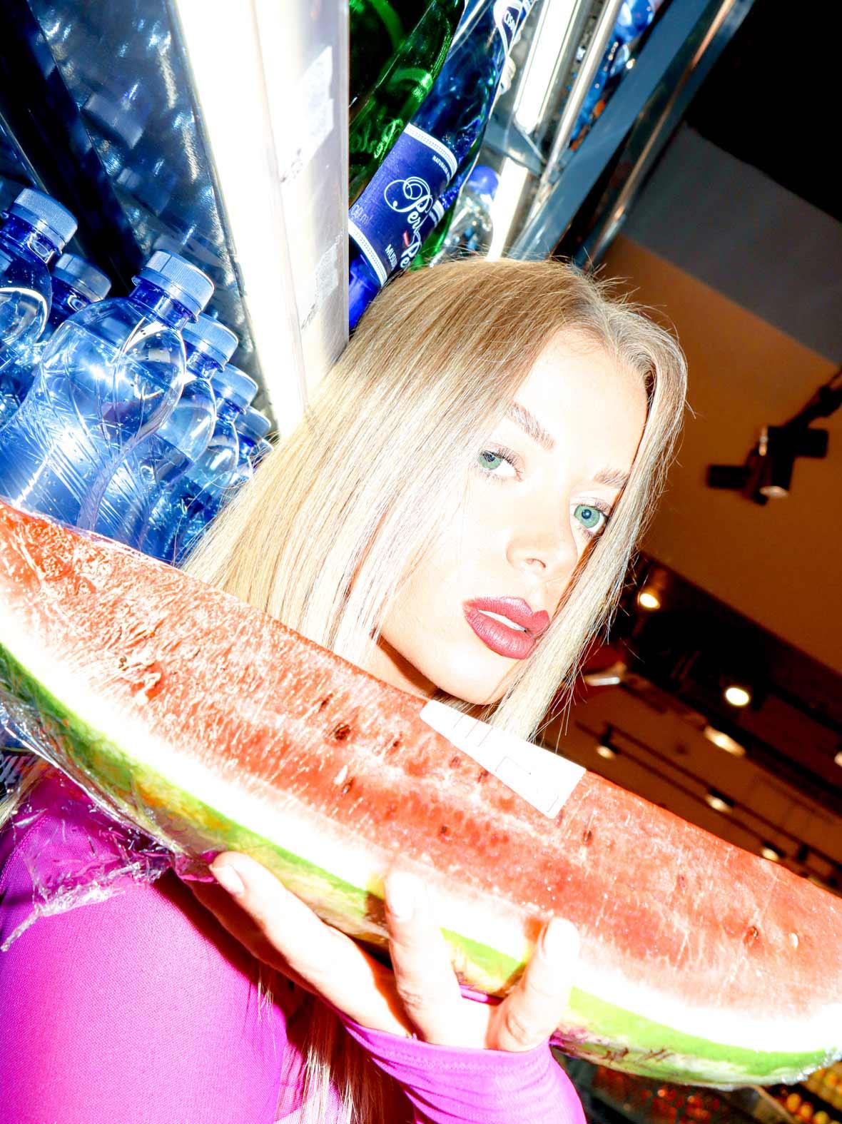 DJ SONYA Truszkowska juicy watermelon photoshoot by Fael Portrait
