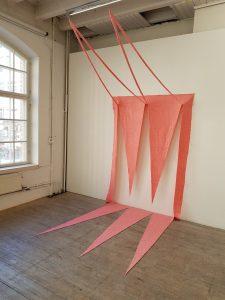 textil skulptur på utställning