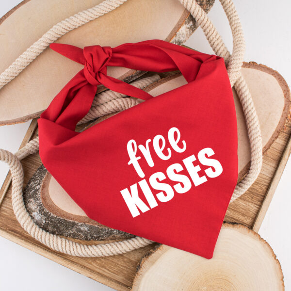 bandana, hond, free kisses, hondenbandana, hond bandana, sjaal