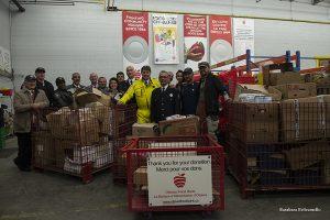 MFP consegna generi alimentari alla Food Bank di Ottawa