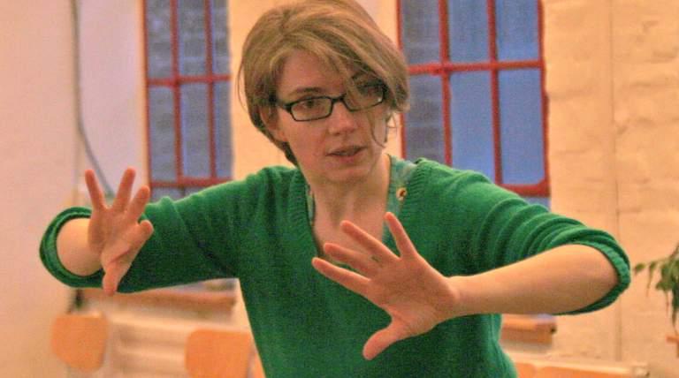 Tango Teacher Bärbel Rücker in action teaching at Tango Workshops
