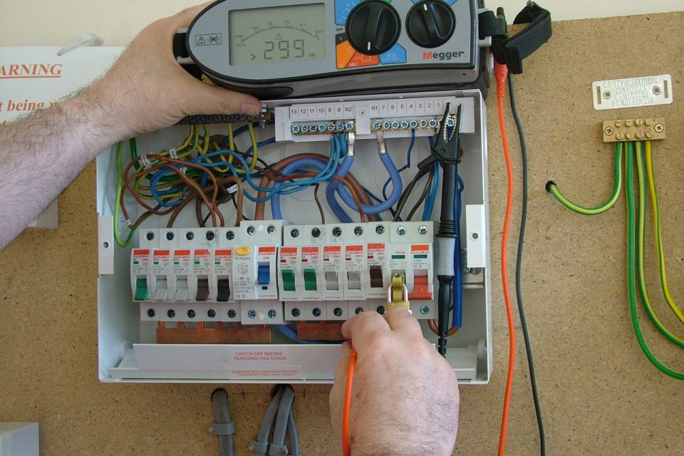Home Buyers Electrical Surveyor In Leeds