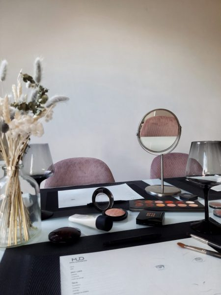 julie-smet-professioneel-mua-makeup-artist-vistagiste-sint-niklaas-waasland-vlaanderen-workshop-beauty-priveles-makeupparty
