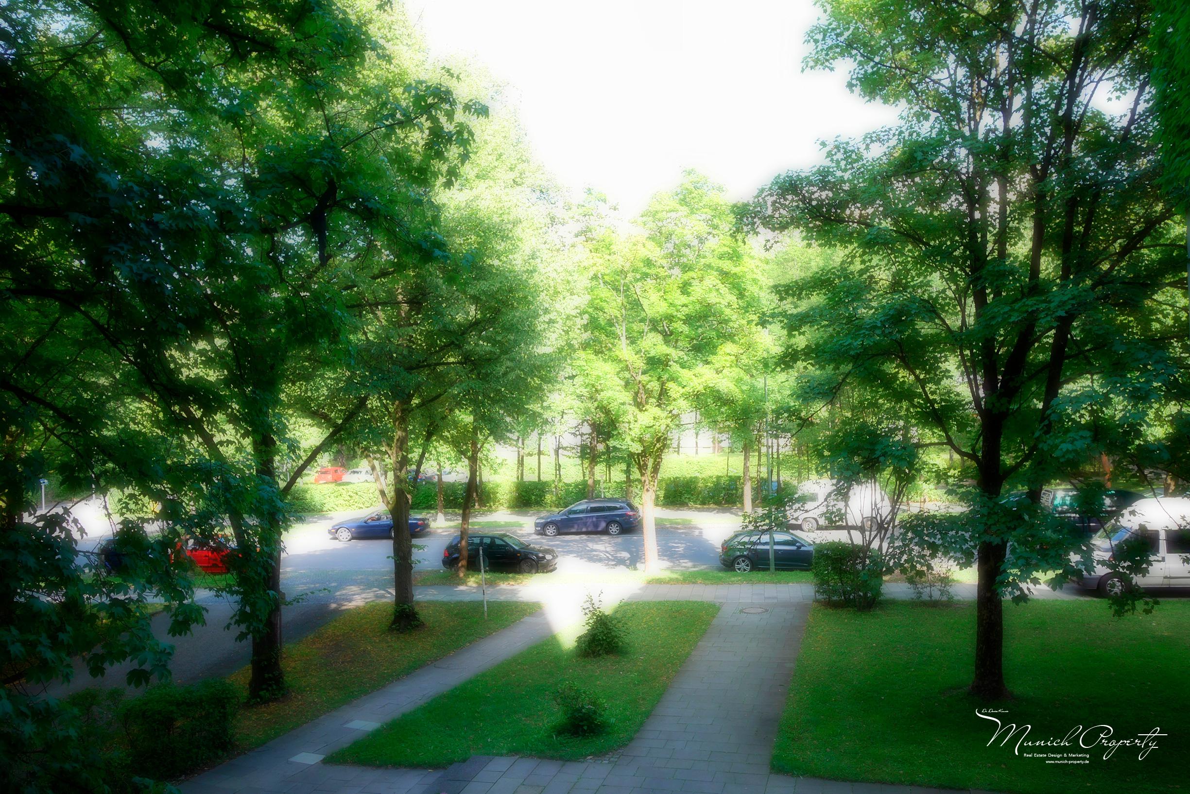 Wohnung München Bogenhausen Fideliopark Knappertsbuschstrasse: Ausblick vom Balkon Schlafzimmer