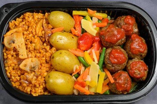 Kjøttboller,grønnsaker,potet,bulgur