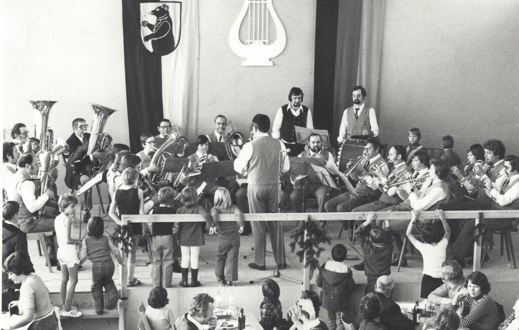 I:\Private\MVD\1975 Jahreskonzert des MVD mit Dirigent Alfred Schobel