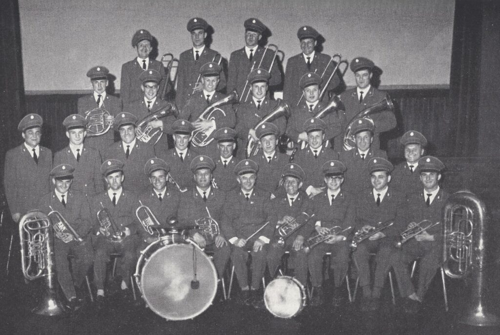 1963: Kreismusikfest zum 75jährigem Jubiläum mit der 1. Uniform