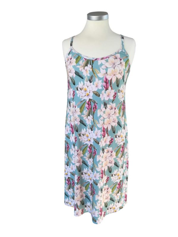 Miss Sunshine sommer stropkjole med smalle stropper, blå bundfarve og lyse blomster