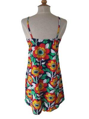 stropkjole med smalle stropper og store blomsterprint, ryggen med elastik
