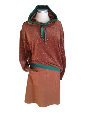 Sonja hættetrøje i brun velour med små prikker, unika model