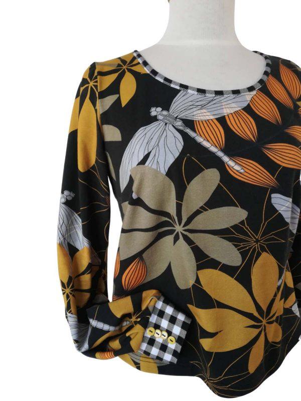 Sarah bluse med efterårsblade og guldsmedeprint, i bomuldsjersey