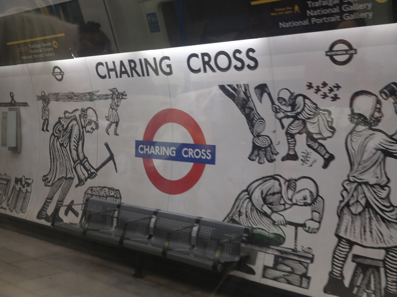 tube charing cross stastion