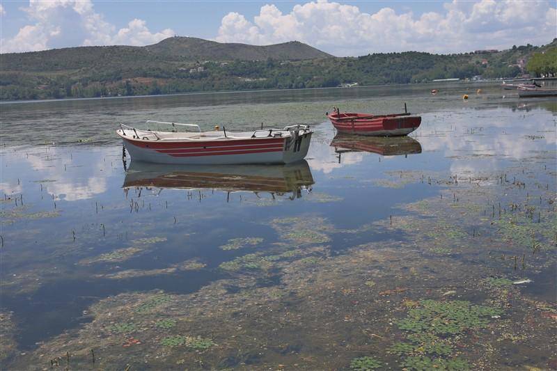 boats lake greece