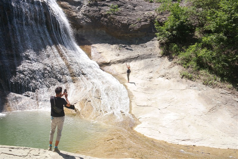 waterfalls kastoria