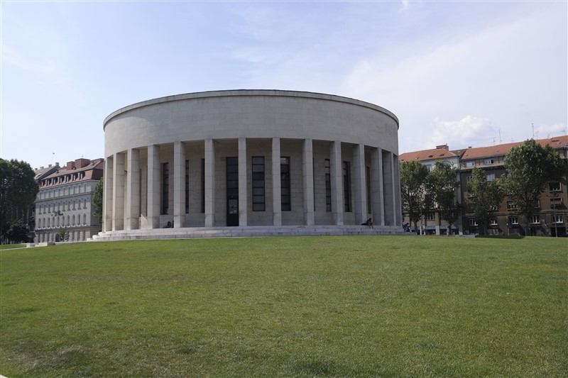 Round Gallery Zagreb