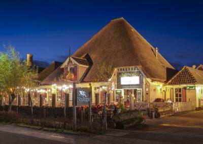 Nadorst-restaurant-feestlocatie-uitspanning-buiten-avond-pand-sfeer