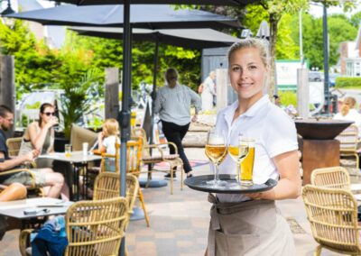 Nadorst-restaurant- feestlocatie-uitspanning-buiten-terras-bediening