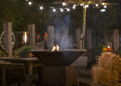Nadorst-restaurant-feestlocatie-uitspanning-buiten-terras-vuurkorf-sfeer