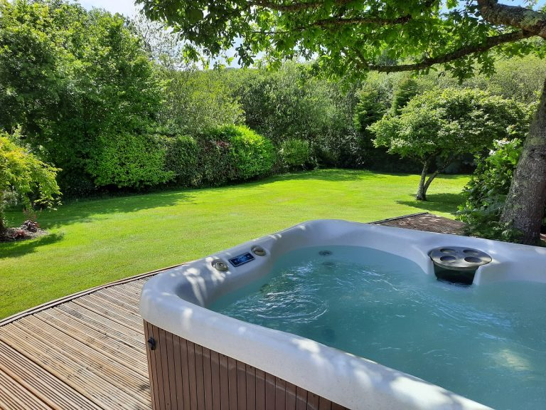 Private hot tub