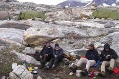 Aftensmåltid-i-stenbrokkerne