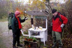 Novembertur-Silkeborgskovene.-En-salgsbod-i-landsbyen