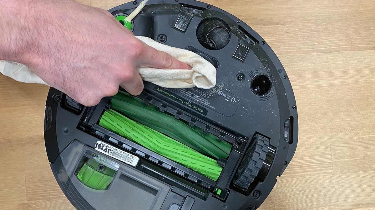 Hvordan renser man en robotstøvsuger?